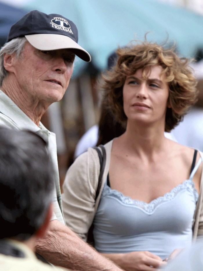 Cecile de France et Clint Eastwood sur le tournage de Au-Delà - 02