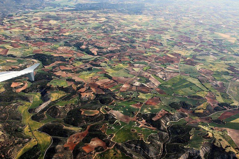Photo prise du hublot d'un avion : Paysage de la campagne espagnole, près de Madrid