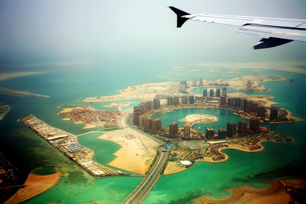 Photo prise du hublot d'un avion : Doha, Qatar