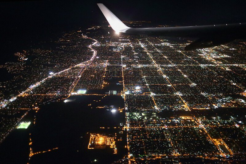 Photo prise du hublot d'un avion : Los Angeles, Etats-Unis