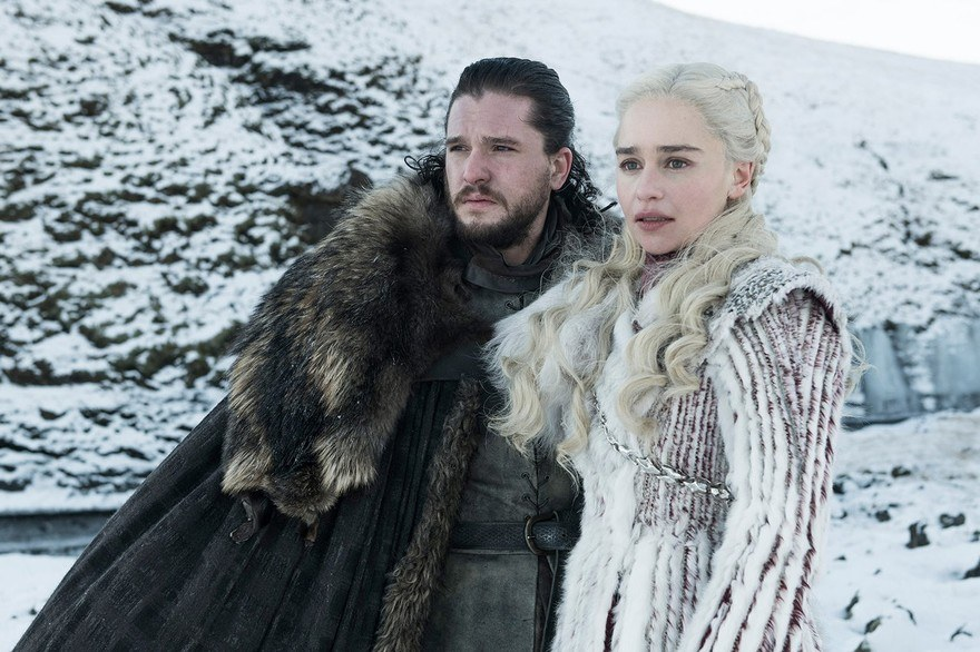 costumes couples halloween 2019 : Daenerys Targaryen et Jon Snow de Game of Thrones