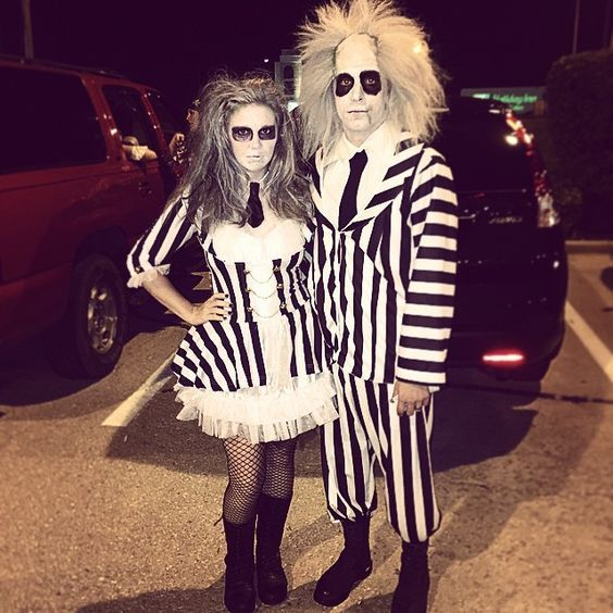 costumes couples halloween 2019 : Monsieur et Madame Beetlejuice